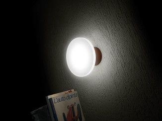 Lampada da parete a led in pmma clamp big lampada da parete