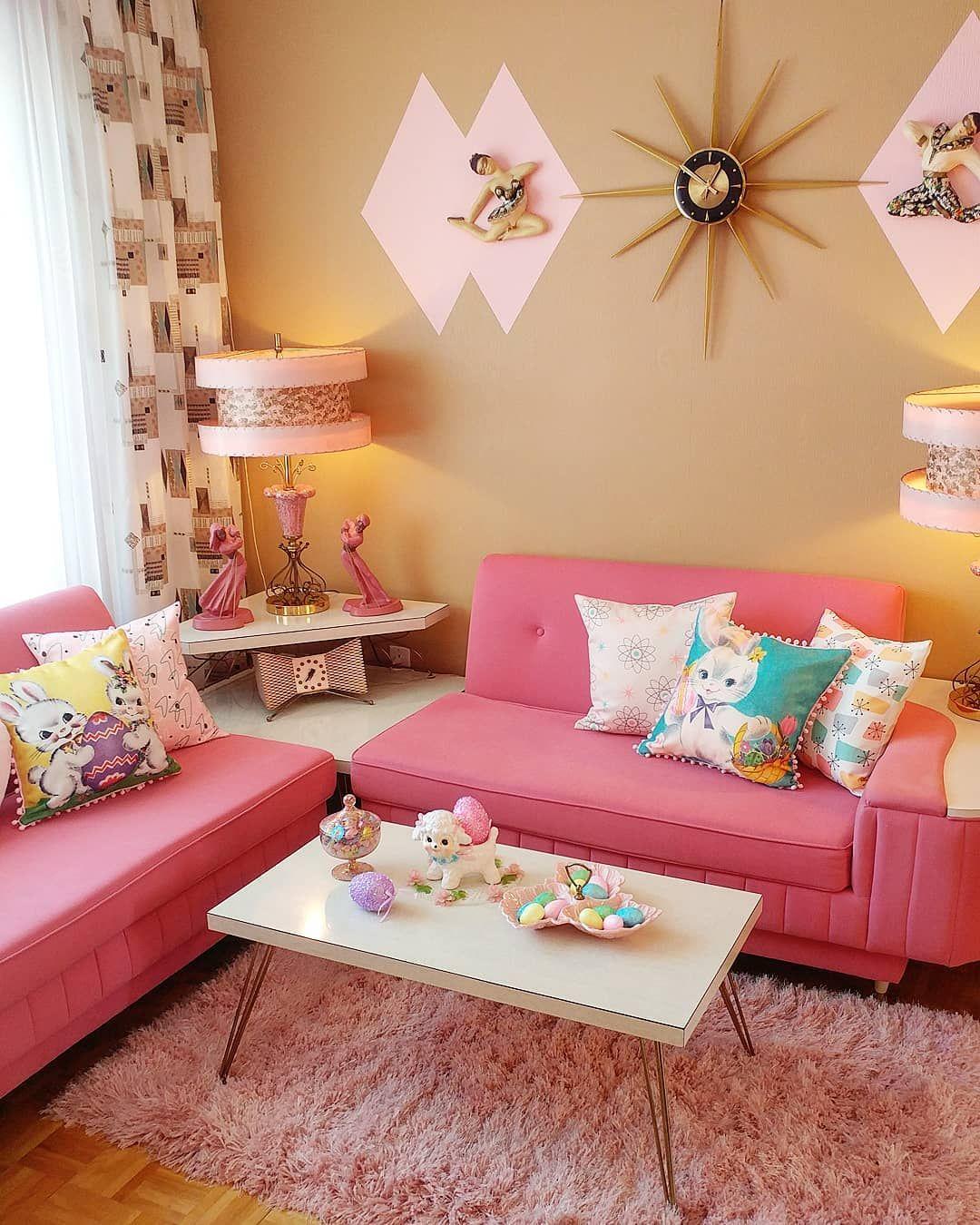 Image Via Jackieetjohn Instagram Retro Kitsch Pink Mcm Retro Home Decor Retro Home Retro Living Rooms