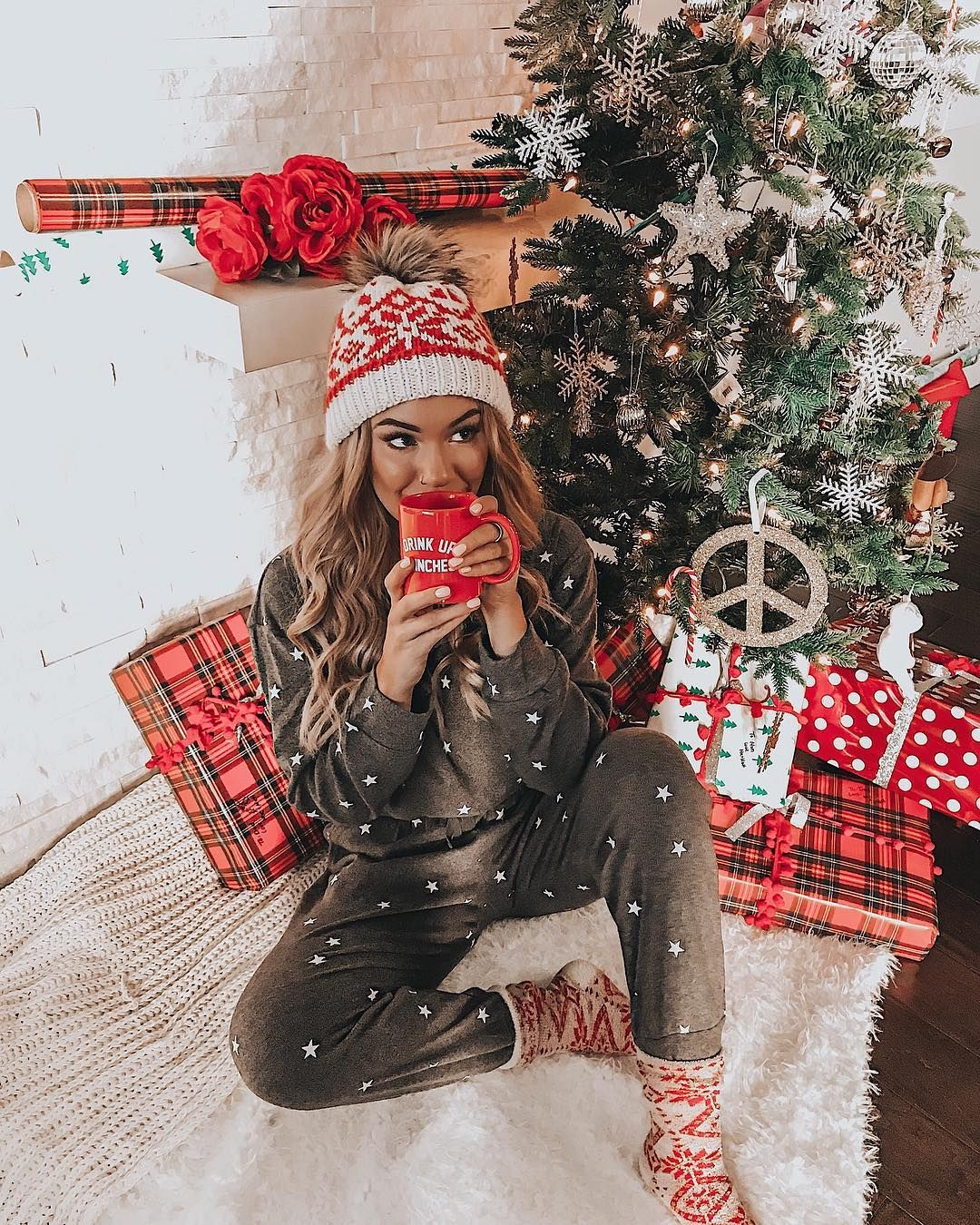 Instagram -   17 christmas photoshoot woman ideas