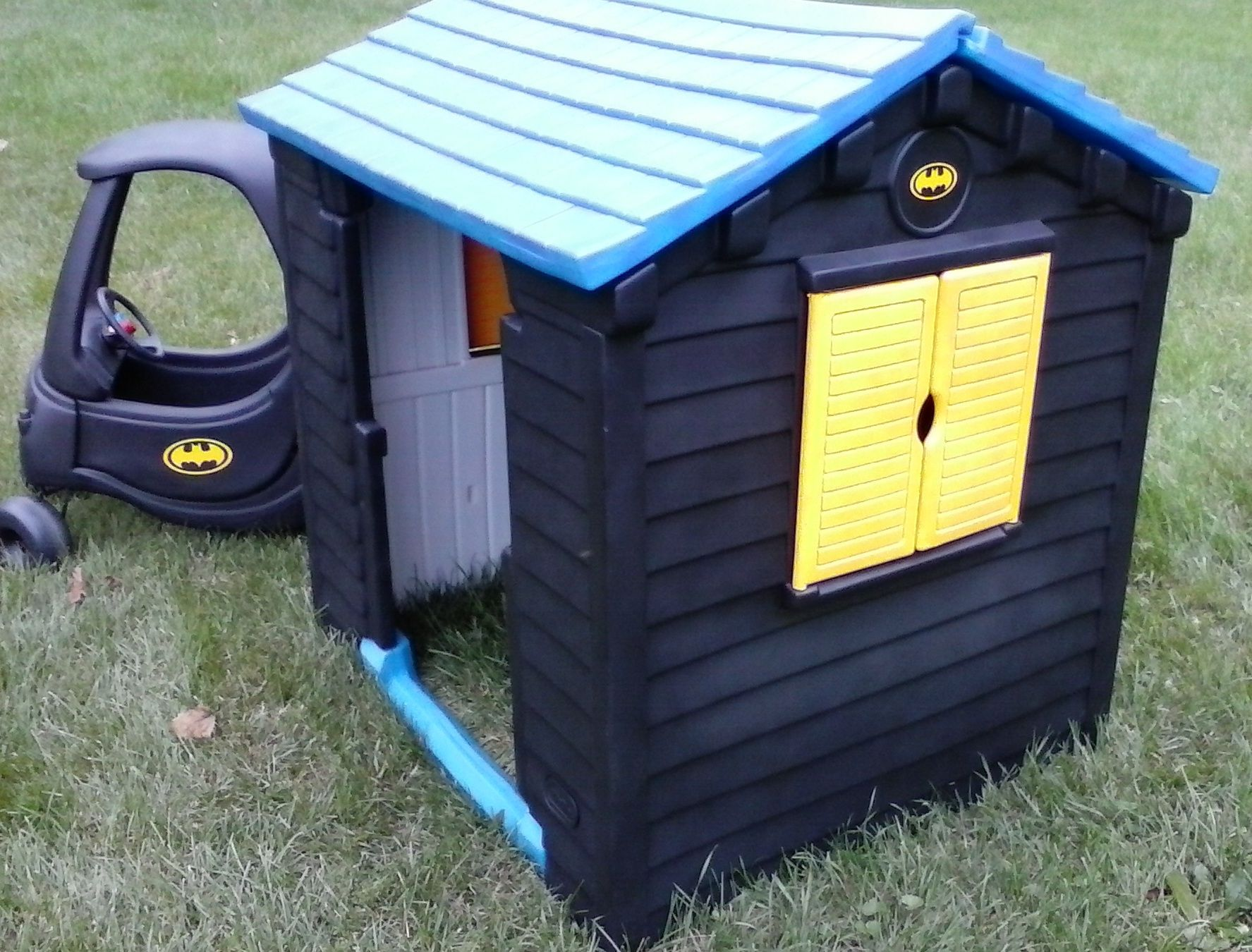 Batman Batcave Batmobile Little Tikes Playhouse Cozy Coupe