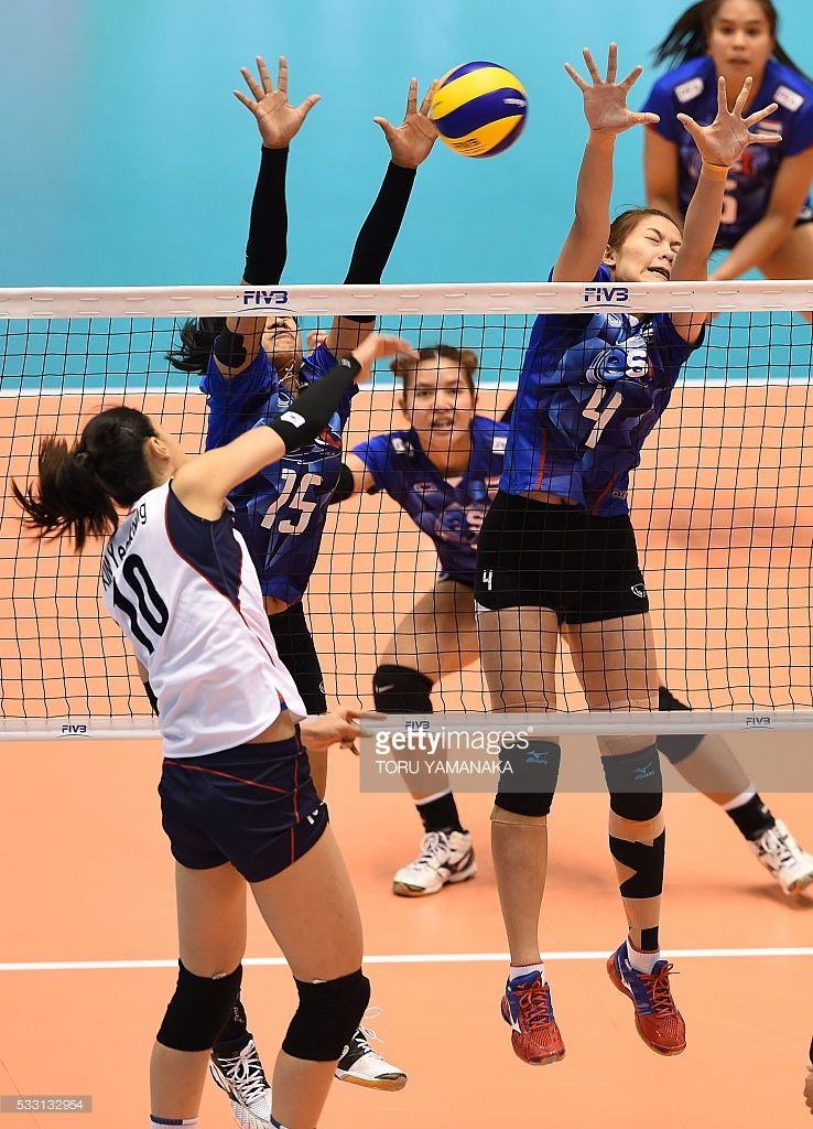 Kanthong Malika And Nuekjang Thatdao Of Thailand Try To Stop The Ball Female Volleyball Players Women Volleyball Olympics 2016