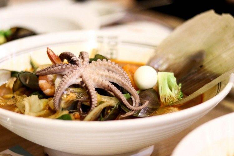 10 Makanan Aneh Di Korea Resep Seafood Makanan Makanan Korea