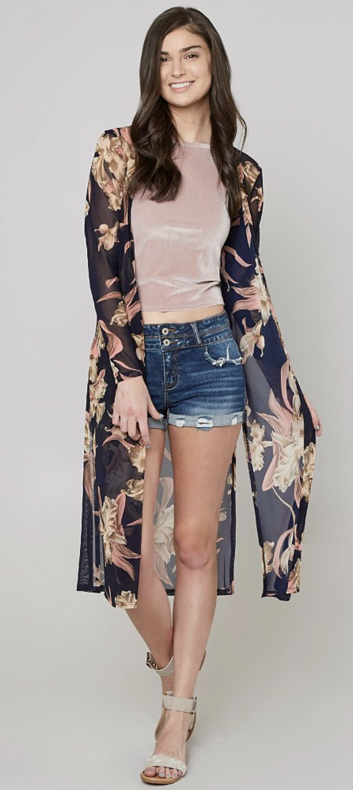 18e668ccf9c Layering a Kimono Duster   Daytrip Floral Duster Cardigan