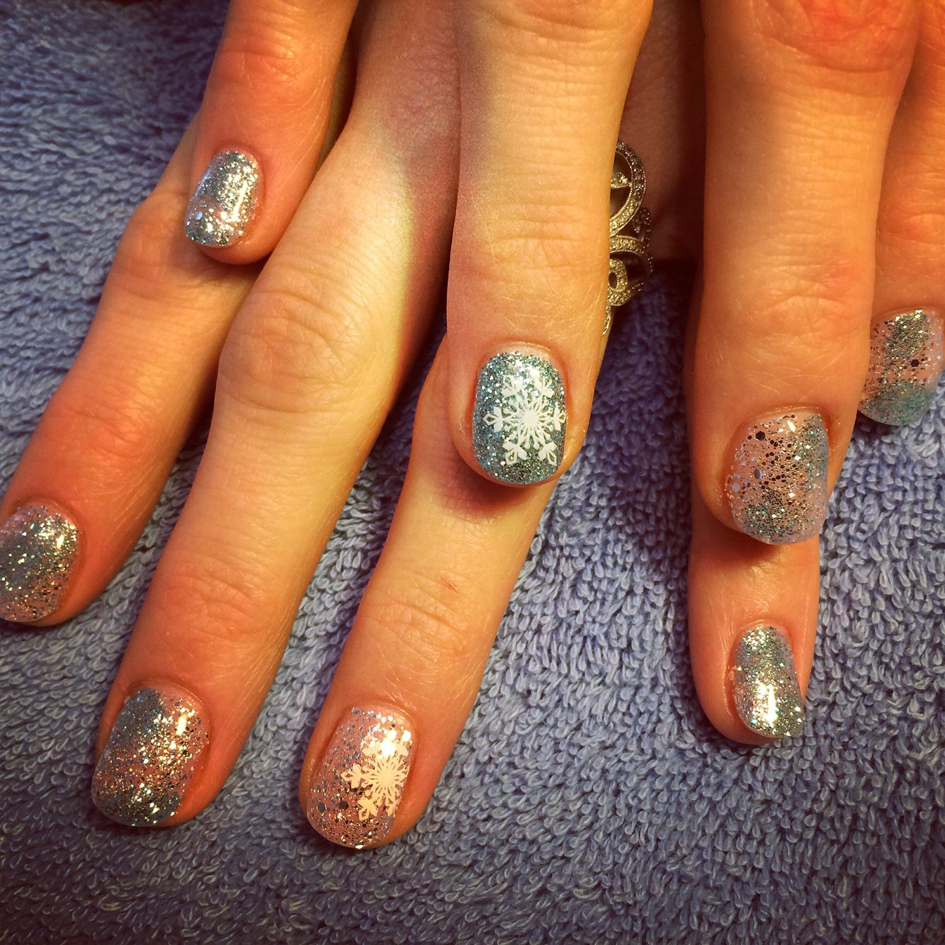 Frozen inspired nails for winter. Thanks Des @ Pearle Studios for ...