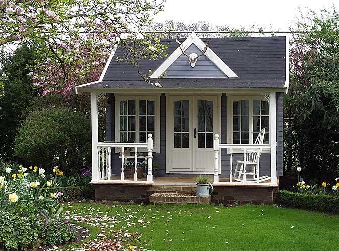 Gartenhaus schwedischer stil  Clockhouse-Design: Gartenhäuser im englischen Stil | Vordach ...