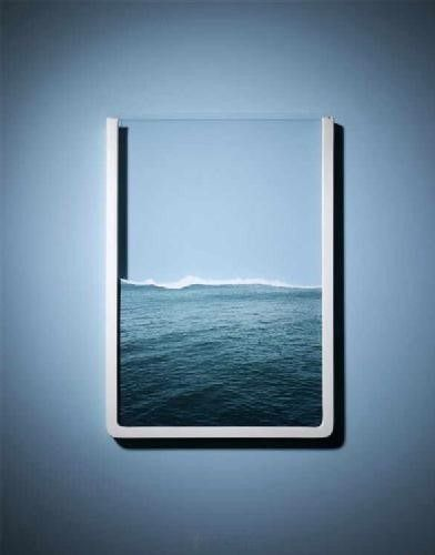 Put a few of these next to each other on the wall to feel like you're floating in the ocean. Peaceful.