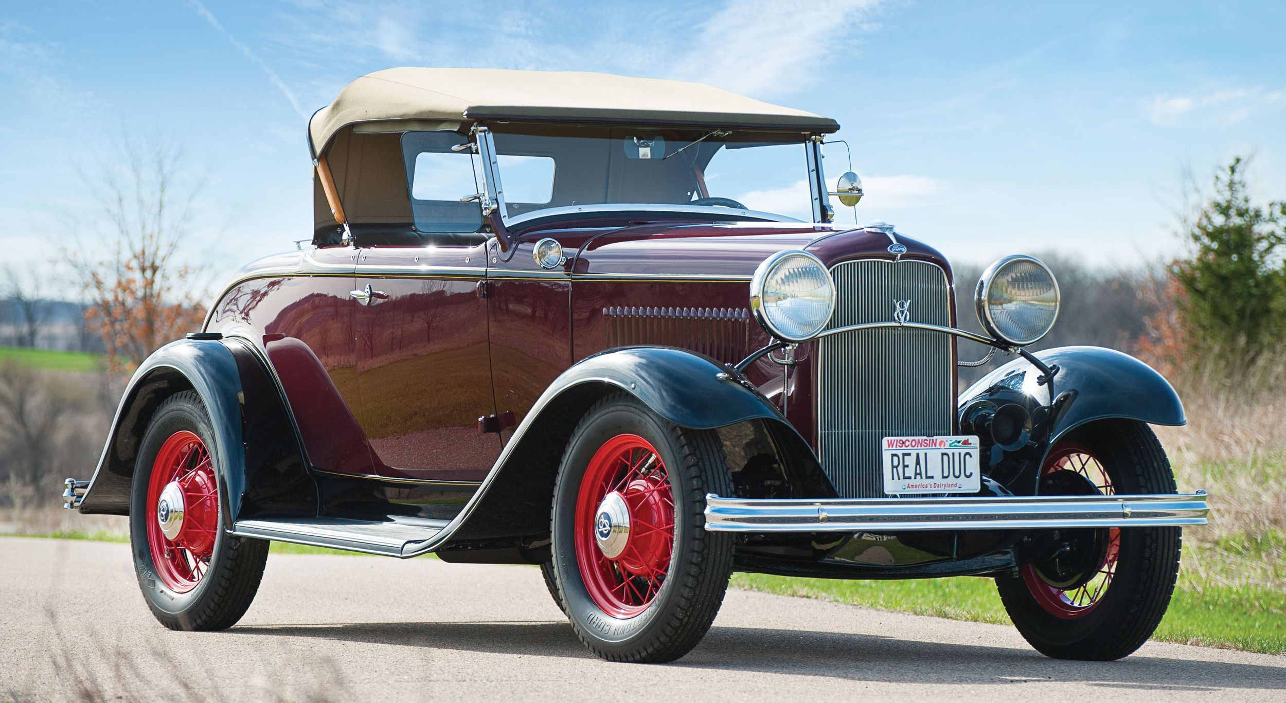 1932 Ford V-8 Deluxe Roadster | classic fords at car show ...