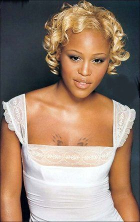 Eve Blond Works On Eve S Lovely Honey Tone Complexion Love The Style Blonde Hair Examples Chocolate Blonde Natural Hair Styles