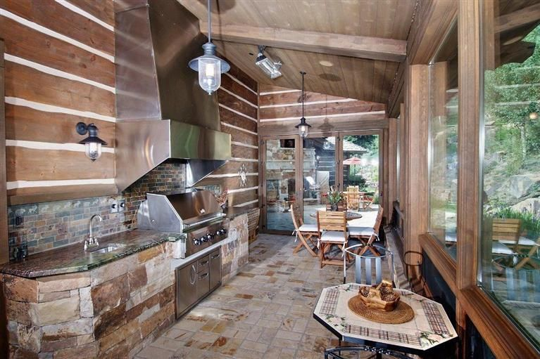 Outdoor Kitchen 200 Timber Springs Drive