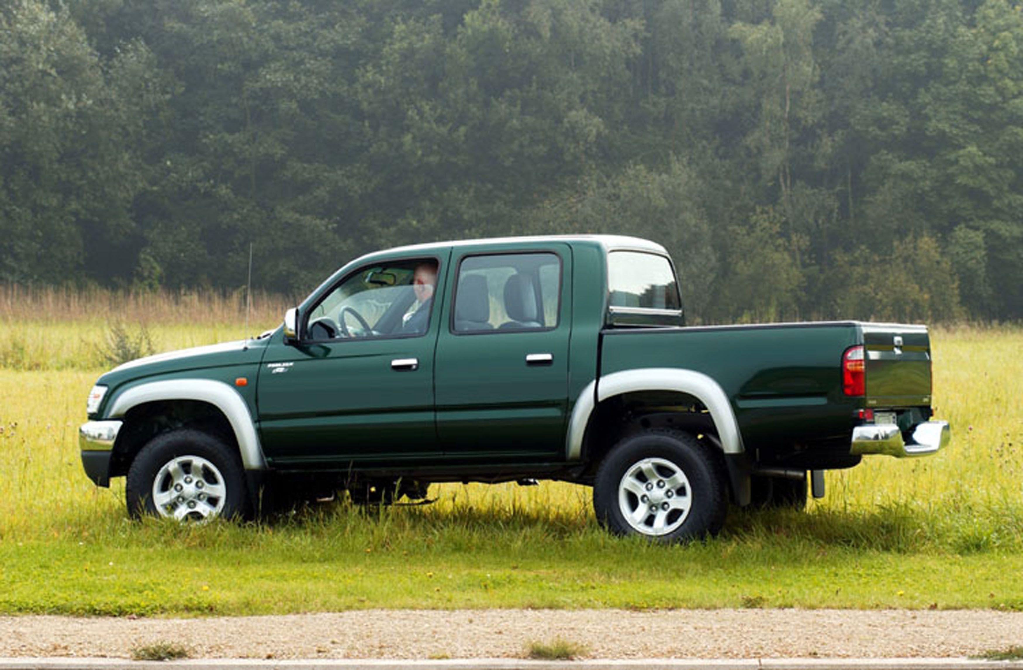 Kekurangan Toyota Hilux 2003 Harga