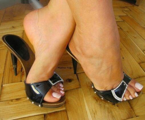 Pin auf High Heel Mules