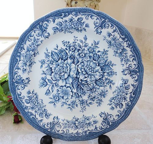 Royal Staffordshire Avondale Ironstone- another FANTASTIC garage sale find....whole service for 8 with serving bowl and platter.....for the cost of one plate on ebay!!! WOW