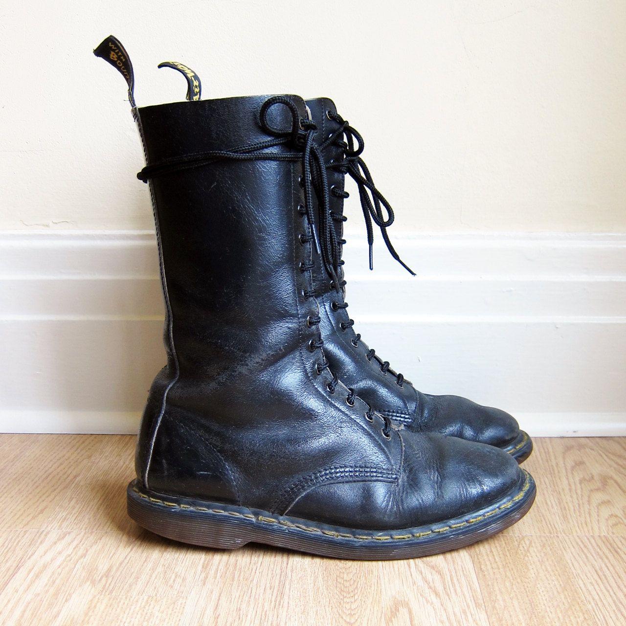 vintage 1990s shoes dr martens boots trashed beat up grunge doc martens size 10 5 or 11. Black Bedroom Furniture Sets. Home Design Ideas