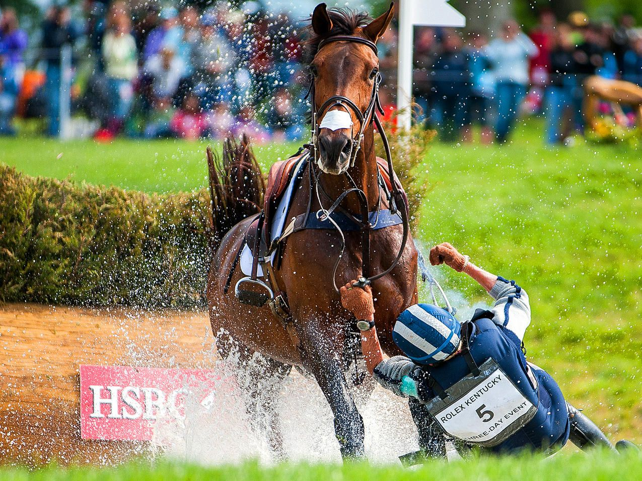 Water Fall - Karen O'Connor takes a fall at the HSBC Water ...