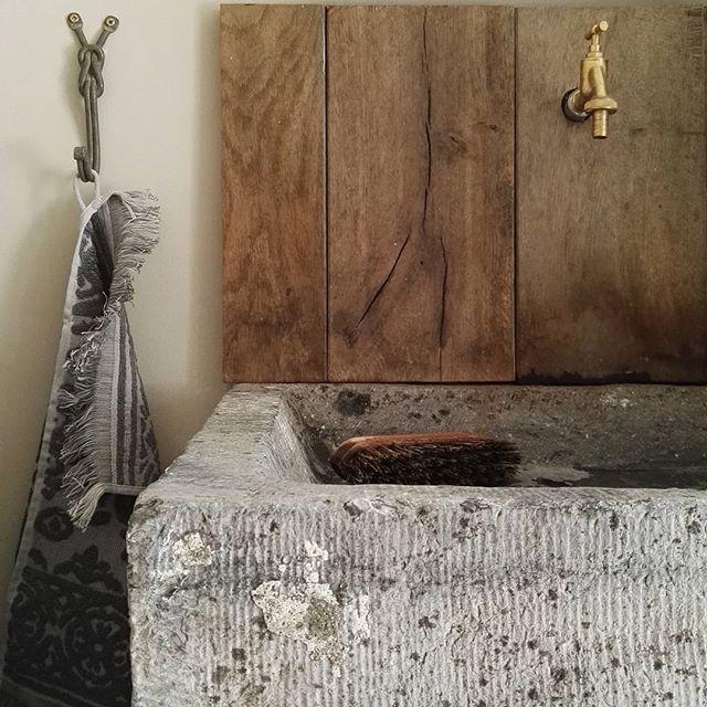 #homeloving #interior #inspiration #decoration #oak #old #bluestone #rustic #interiordesign #interiorblog #blogger #home #myhome #binnenkijken #bijkeuken #woondroom #belgianarchitecture #landelijkwonen #chalkpaint #paintingthepast #stoerwonen #soberwonen #dailyinspiration #instadaily