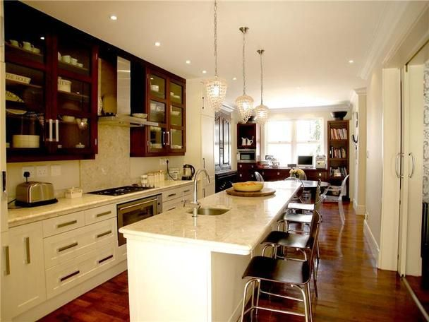 Kitchen Design   Beautiful Traditional House In Johannesburg, South Africa.  Great Use Of Space