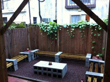 Fabriquer table et banc de jardin avec des parpaings et bois ...