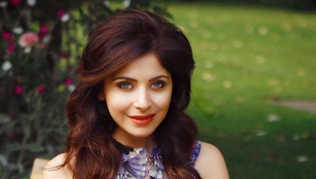 Kanika Kapoor Biography, Age, Weight, Height, Friend, Like ...