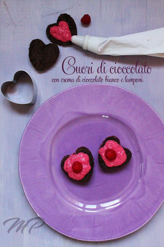 Cuori di cioccolato con crema di cioccolato bianco e lamponi  #Valentinesday