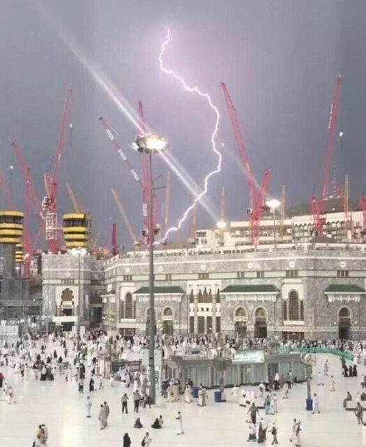QUEBRANDO UPDATE: # Makkah pedágio guindaste morte colapso até 87, 184 feridos - funcionárioshttp: // on.rt.com/6r4g # Meca