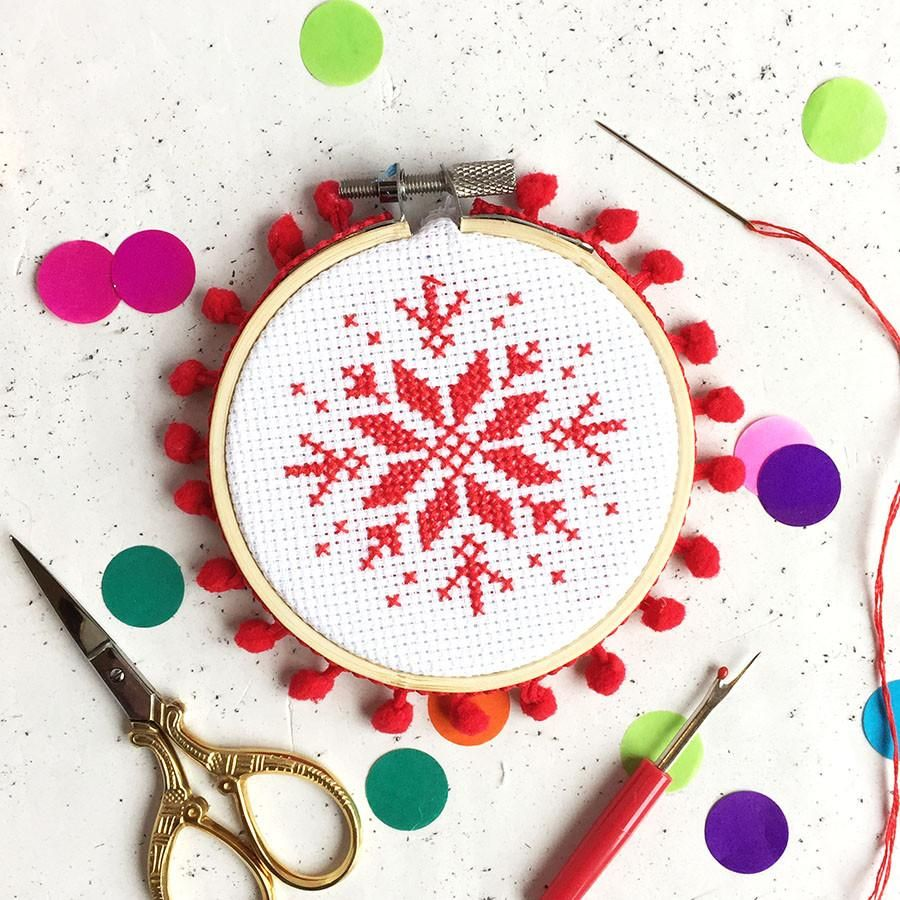 Sparkling Snowflake Beginners Mini Cross Stitch Sewing Kit with Hoop Craft