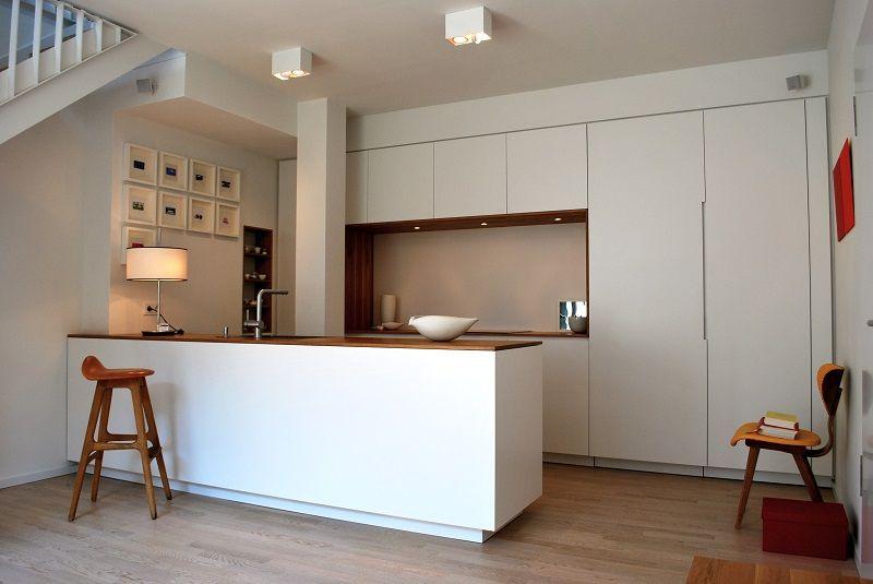Küche nach einem Entwurf von Vain Interiors Eine Kücheninsel - arbeitsplatte küche eiche