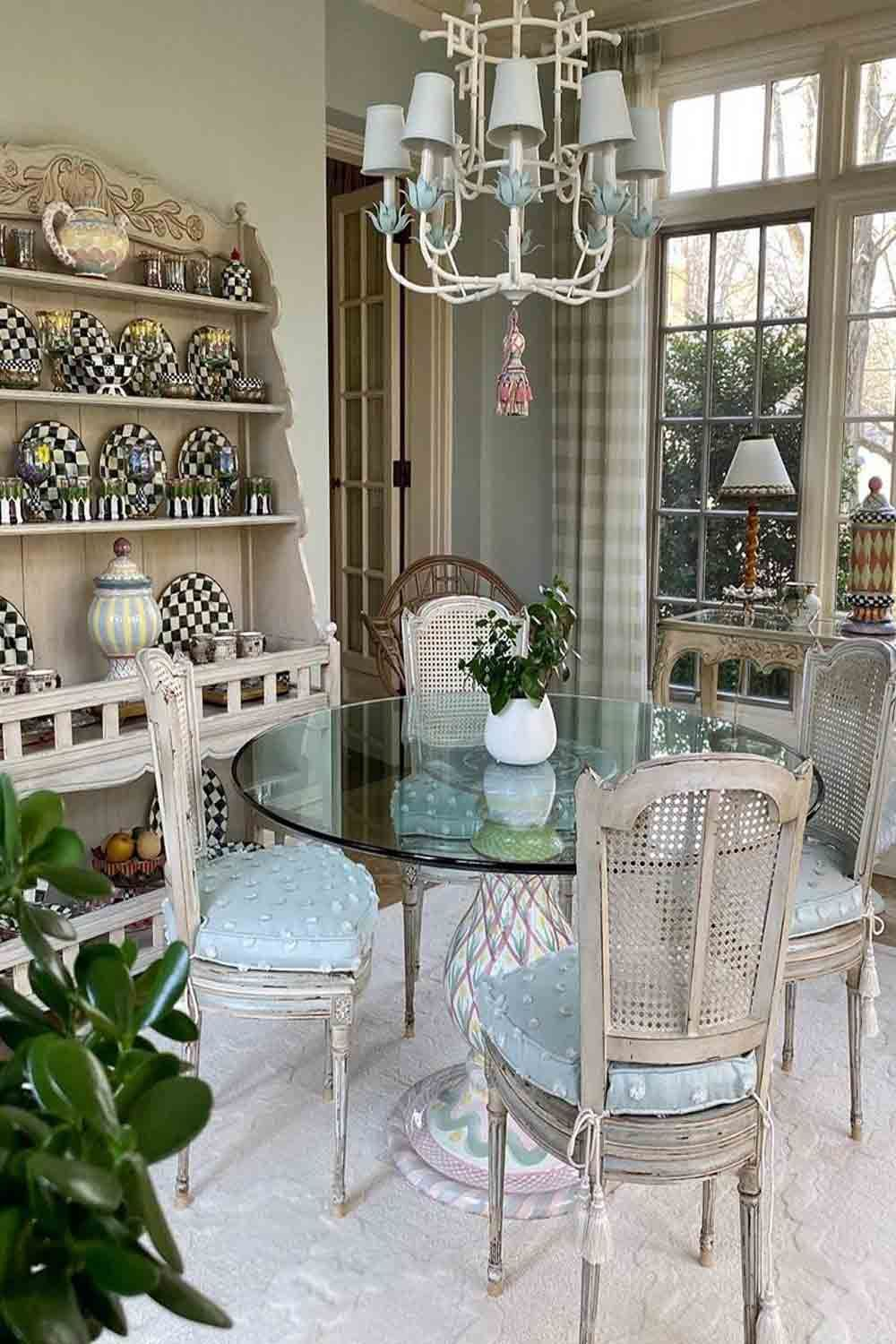 28 Sunroom Ideas: The Best Combo Of Indoor And Outdoor In ... on Outdoor Living Shops Near Me id=98621