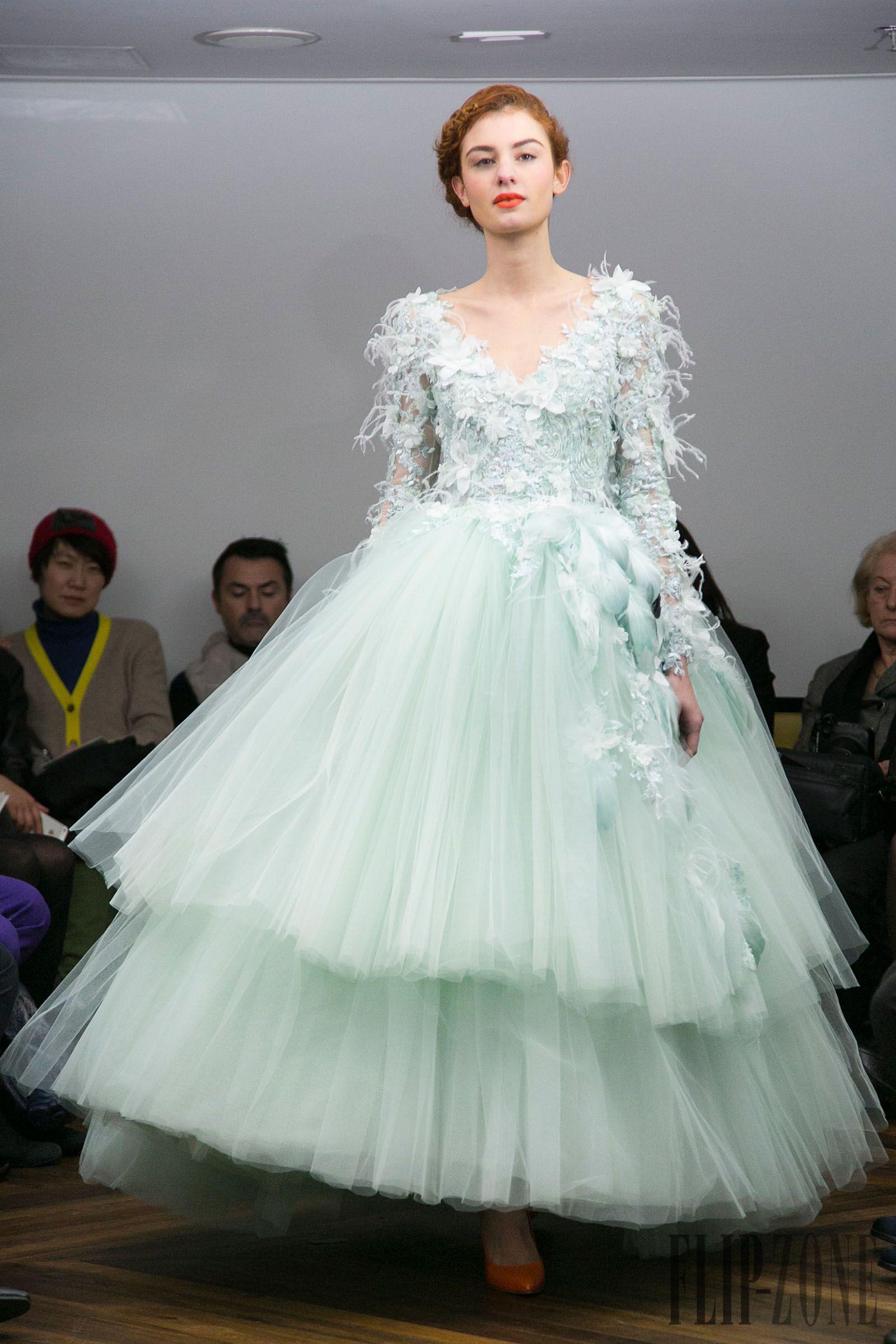 Tony Yaacoub Printemps-été 2014 - Haute couture - http://fr.flip ...