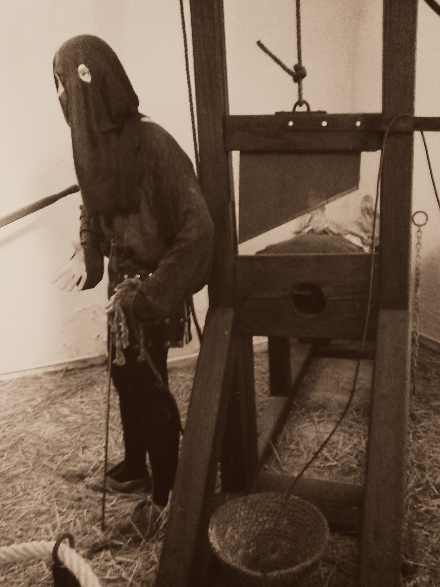 Decapitation #guillotine #medieval #museum #Germany | Human Drawing ...