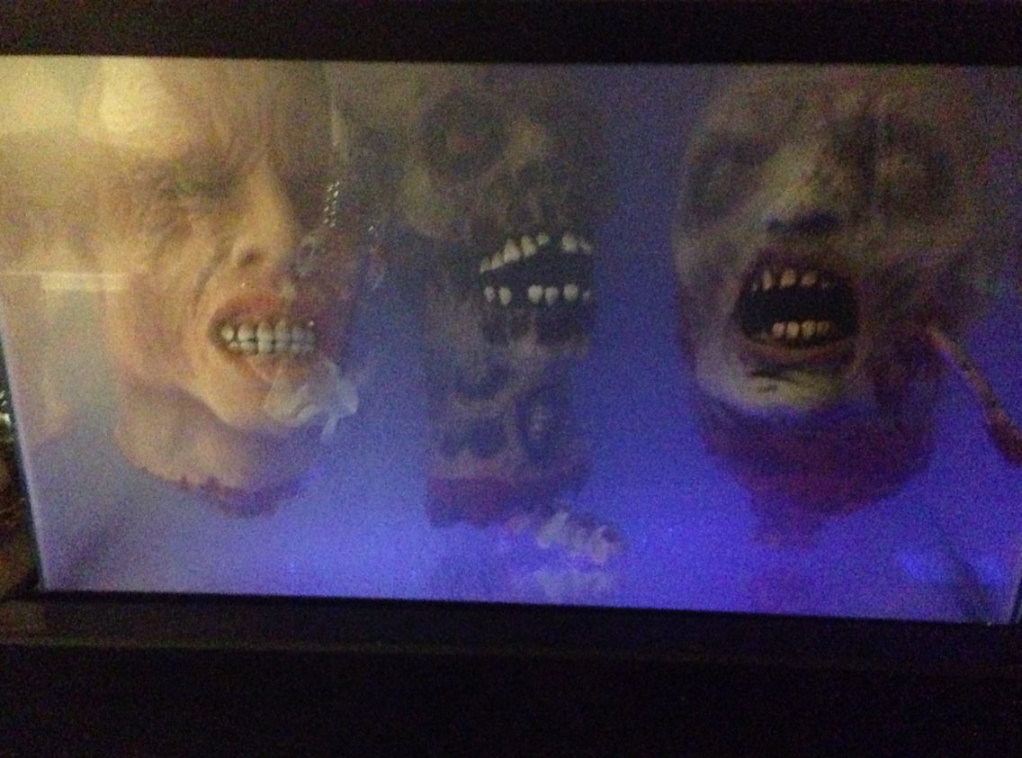 Fish tank decorations zombie - Zombie Head Fish Tank