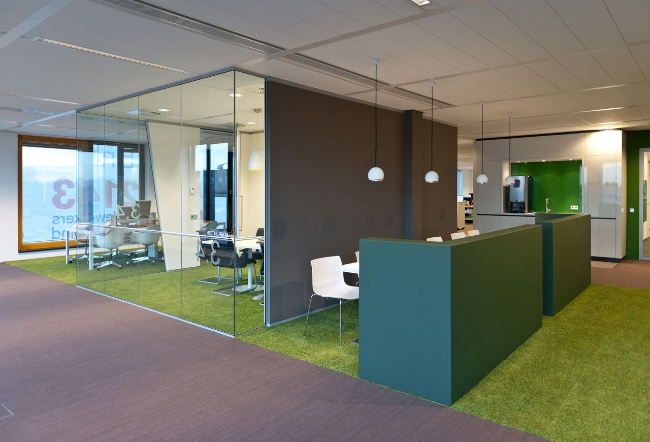 Interieur brunel rotterdam heyligers 12 work is fun for Ontwerp kantoorinrichting
