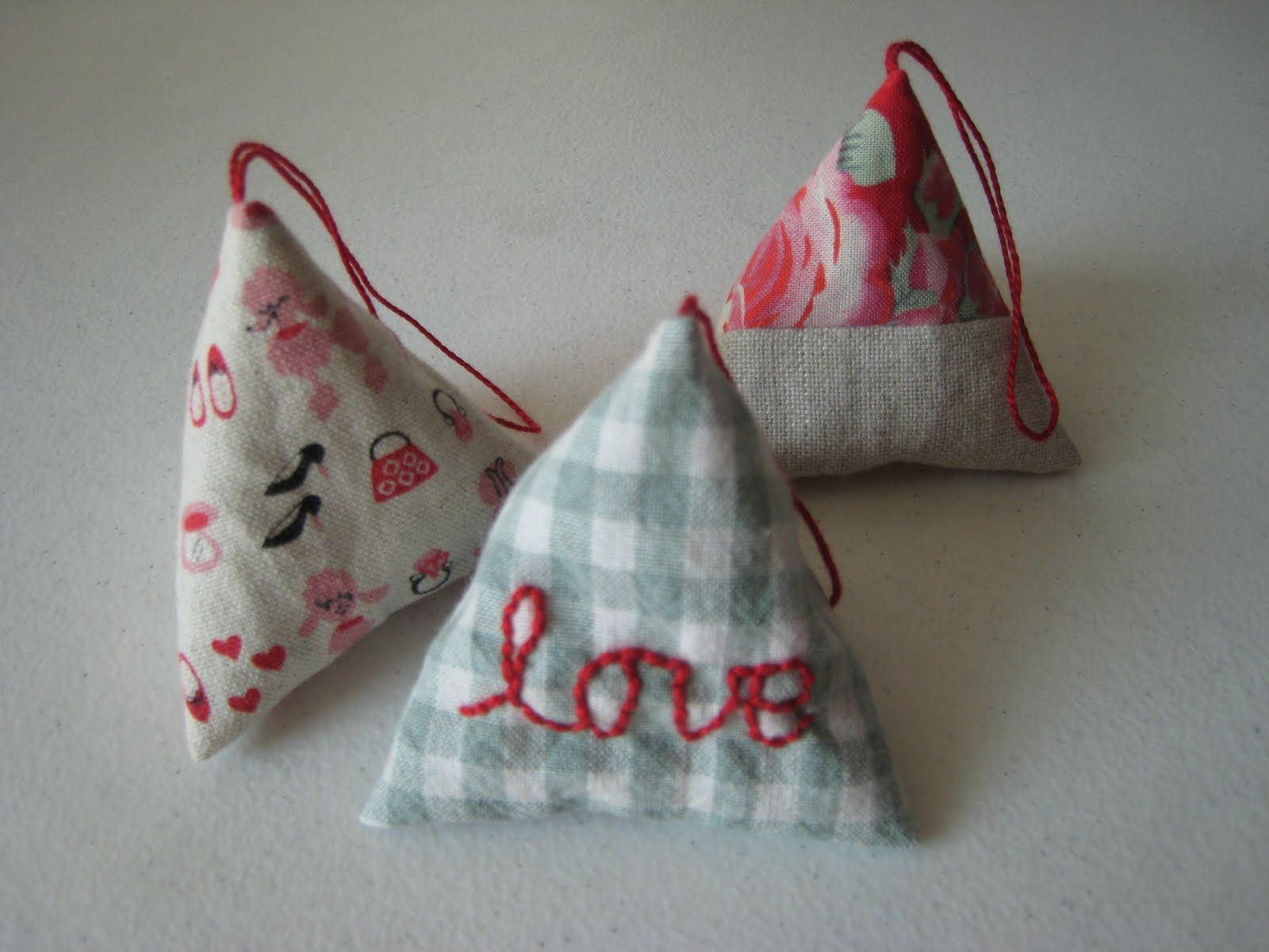 How to make a pyramid sachet   chick chick sewing