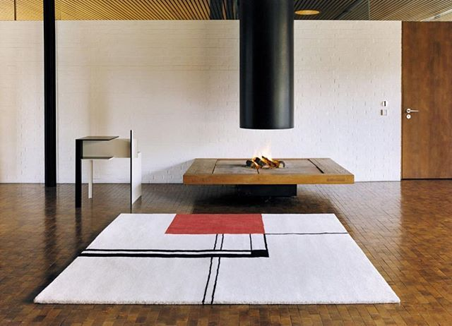 Clicon Wendingen Rug Eileen Gray 1925 A Tribute To The Dutch Architectural Journal That Made Famous 100 Pure Wool Coloured With Natural