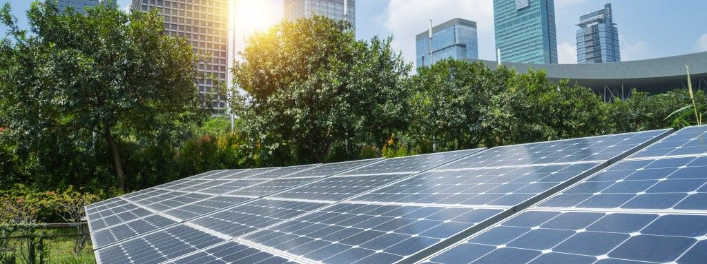 Environmental And Economic Green Go Hand In Hand Https Blueprint Cbre Com Environmental And Economic Green Go Hand Solar Panels Solar Panels For Home Solar