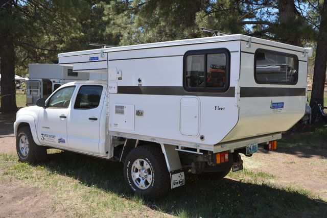 2013 Four Wheel Camper Fleet Flatbed Landrover Camper Slide In