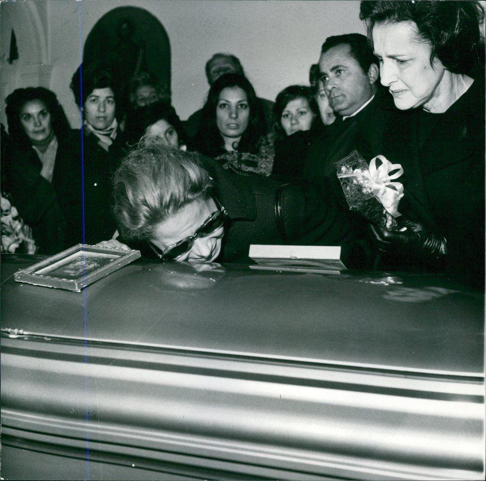 Evgenia gl the tragic mother tina alexander onassis