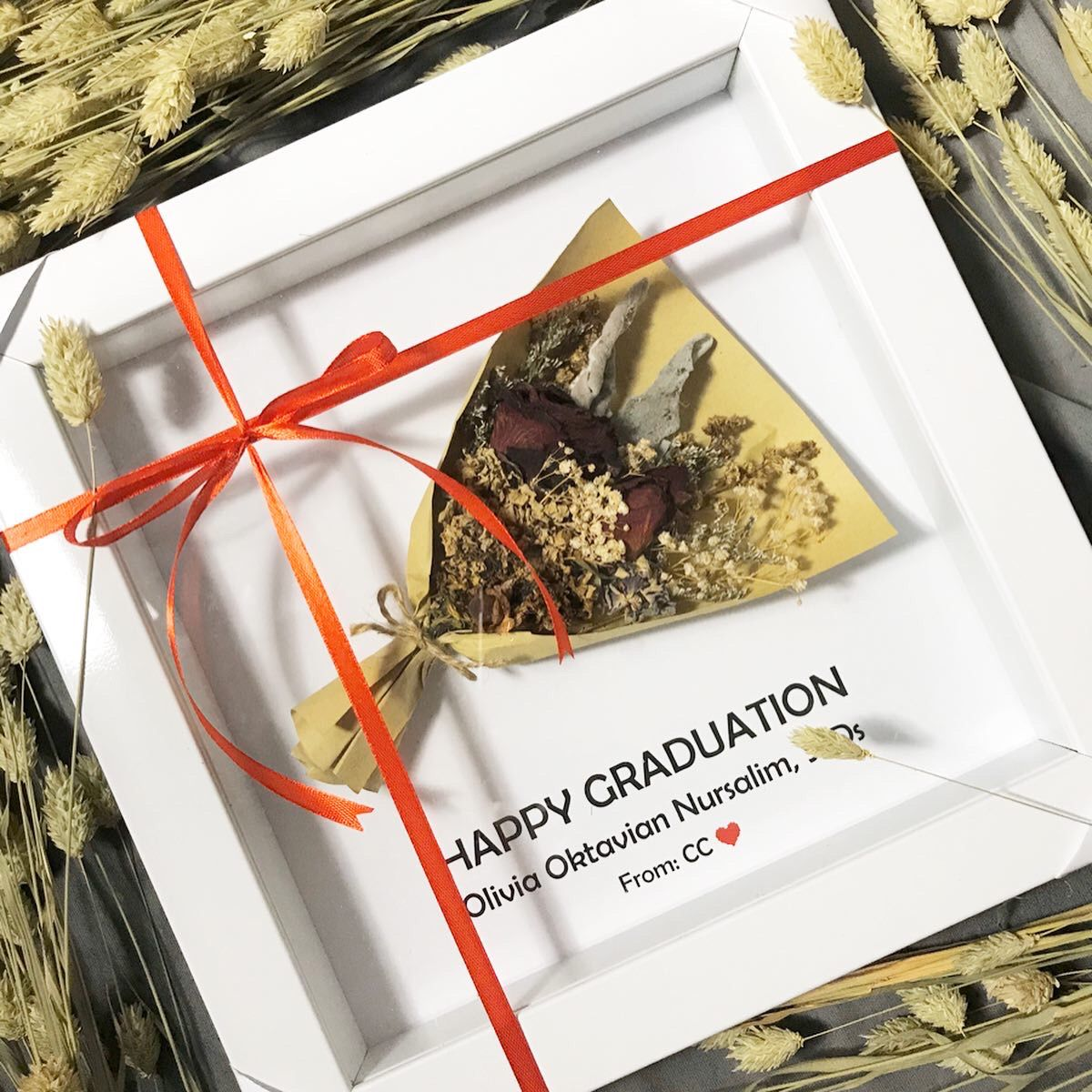 Dried Flowers In Frame Special Graduation Gift For Ms Olivia Create Your Own Frame Now Pengiriman Seluruh Indonesia Ide Hadiah Bunga Kering Bunga