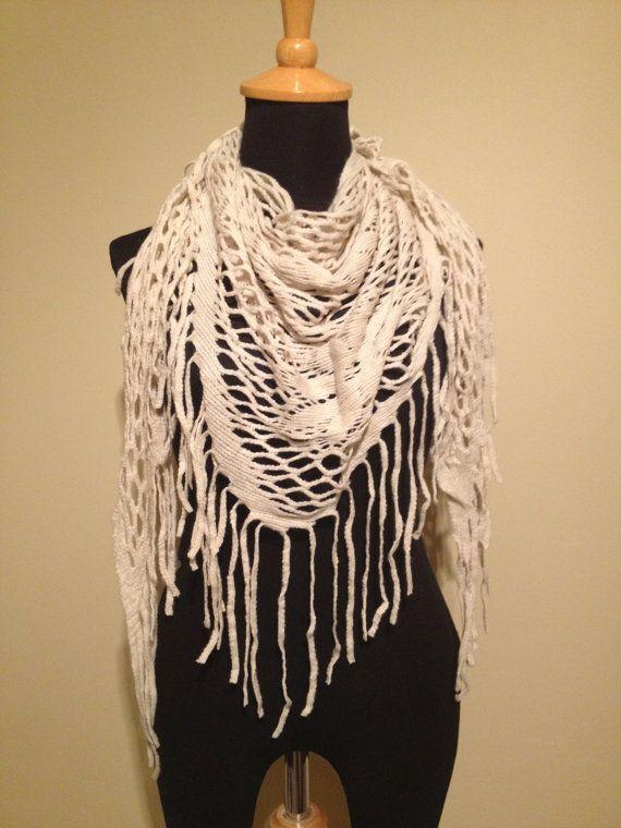 triangular fishnet knit scarf