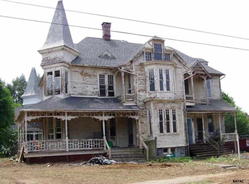 Uninhabitable 1887 House Is Lovingly Restored To Its Former Glory