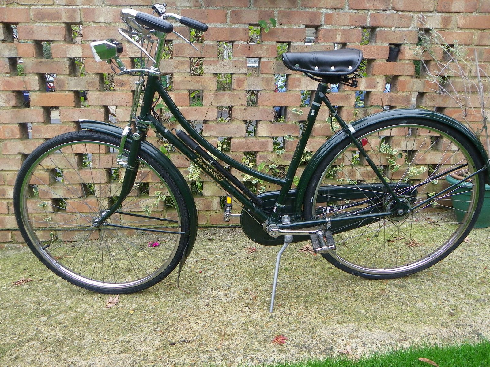 Vintage Raleigh Superbe Ladies Cycle - Ebay