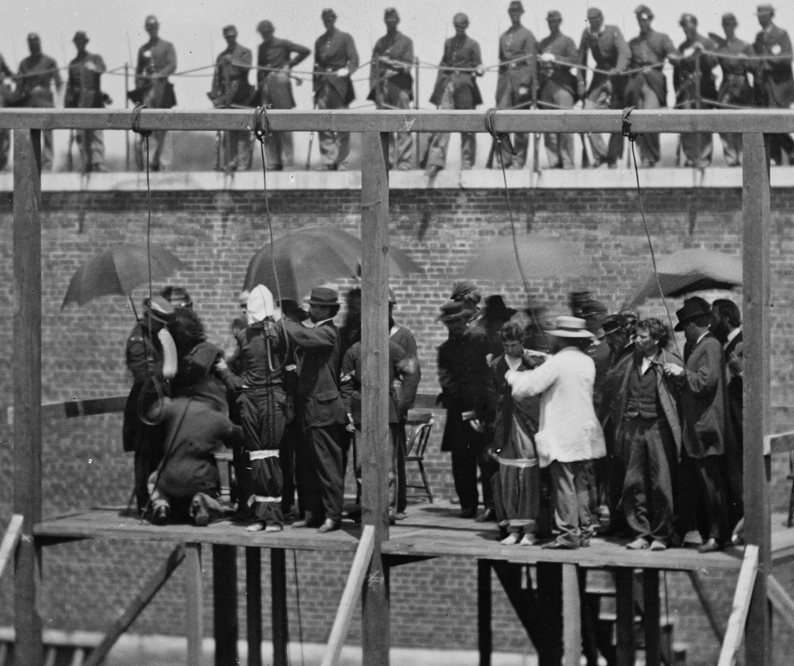 Us civil war adjusting the ropes execution of the lincoln conspirators 1865