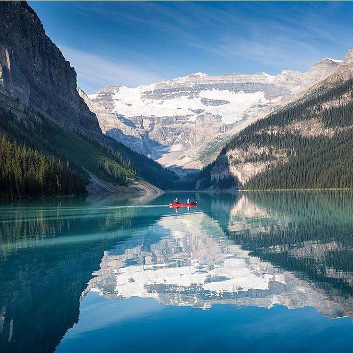Lake Louise Alberta Canada Photo Argenel Ourlonelyplanet Lakelouise
