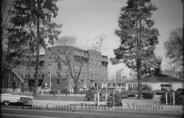 Park Blocks 1958 Osbourne Hotel In Back Osbourne Hotel Park Historical Photos