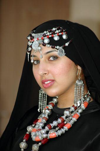 صور بنات اليمن صنعاء عدن اب تعز شبكة صورك Beautiful Arab Women Statement Necklace Yemen Women