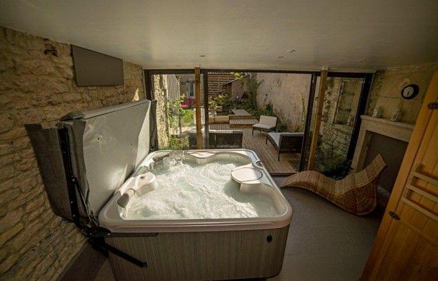 Espace bien tre avec spa et sauna inspiration v randa for Exterieur plus sevrier