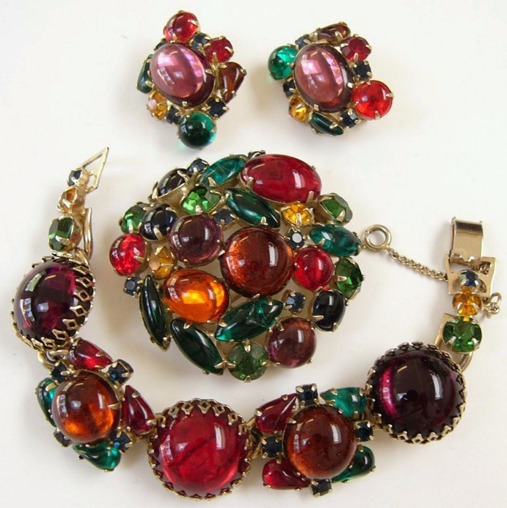 Weiss Costume Jewelry Necklace