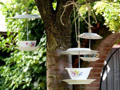 Make a teacup birdfeeder maak zelf een voederhuisje van theeservies diy - Outdoor tuinieren ...