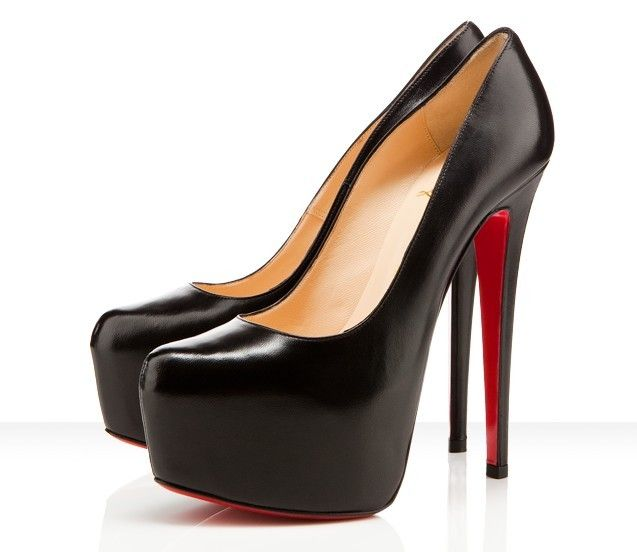409c6d9dbe0b The Christian Louboutin Pumps Daffodile Black Heel Height  6 inches approx.