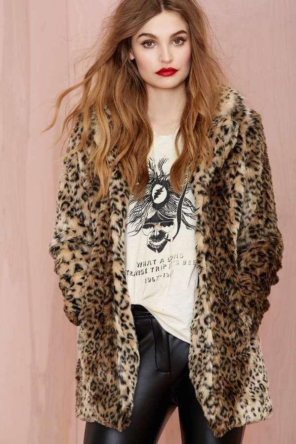 991f44d4ac320 Pin by Lookastic on Fur Coats in 2019   Leopard fur coat, Leopard coat,  Cheetah coat