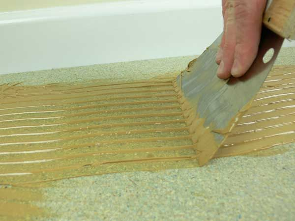 How to fit bamboo flooring onto plywood. Advice and tips for installing bamboo flooring over plywood.